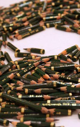 olovke pencils instalacija installation contemporary art toz